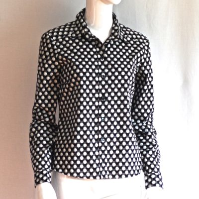Gucci black and white fitted golf ball blouse, made in Italy