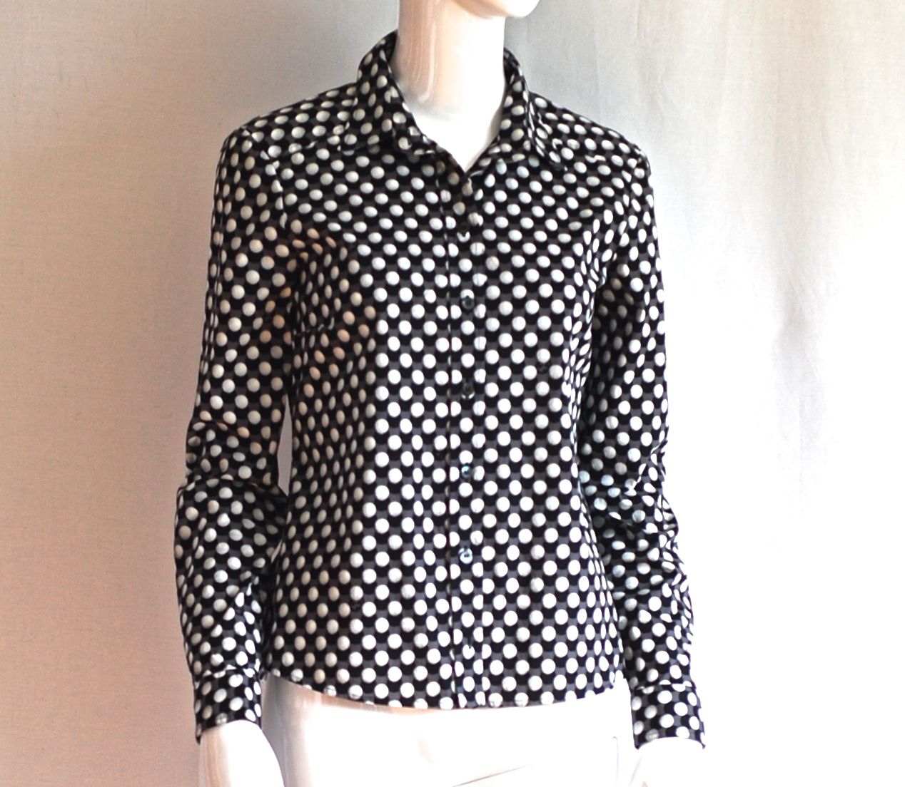 290fa828400c9 Gucci Contemporary Black   White Blouse – Italy