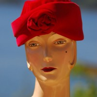1960's Elegant Fuschia coloured velvet hat with a rose at the front
