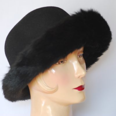 DAME black wool with faux fur hat, made in Italy
