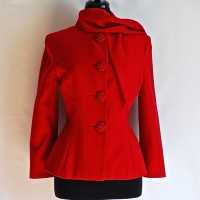 Gianluca Gabrielli red wool blazer with big floral buttons and tie at neck, made in Italy