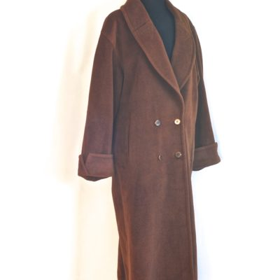 Louis Feraud double breasted brown wool midi coat, made in Germany.