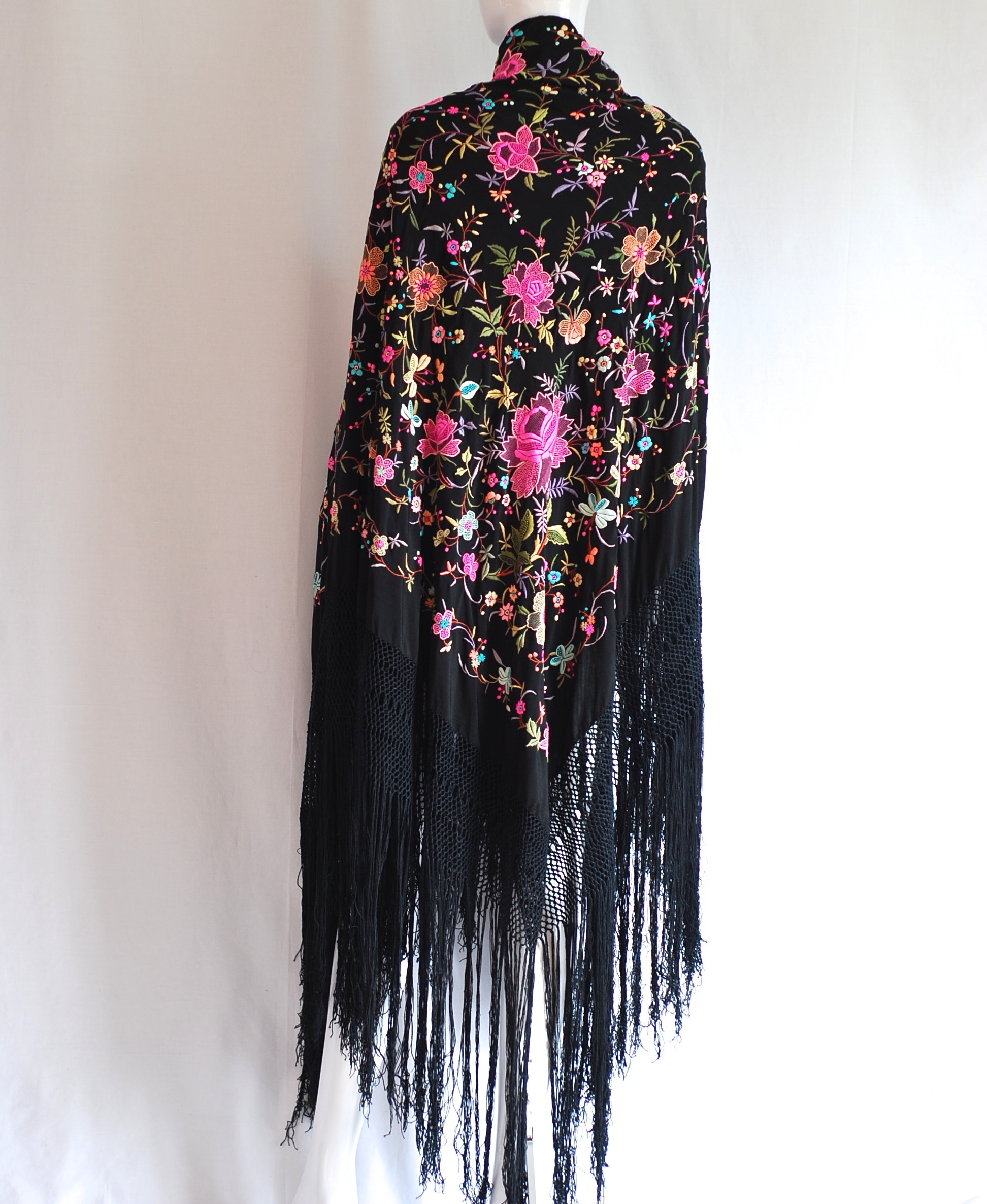1920 s Hand Embroidered Silk Fringed Piano Shawl 18d3ef8aa60