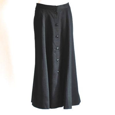 Gue Laroche classic black wool midi skirt with front buttons, made in France