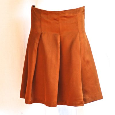 Burberry wide pleated copper colored knee length skirt, made in Italy