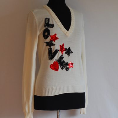 Moschino Jeans ivory wool sweater with love applique and stars, made in Italy