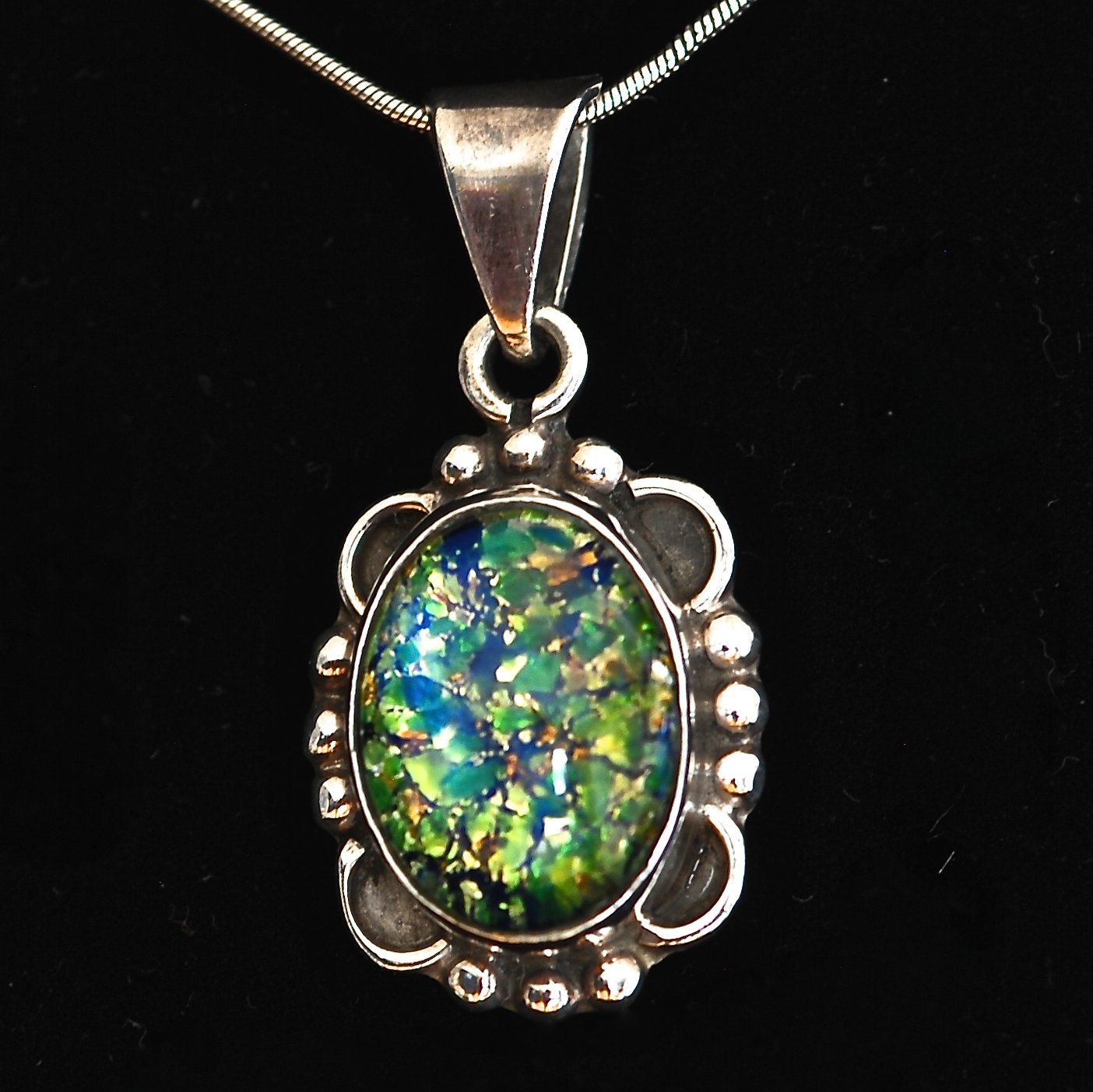 b23844bf9 Taxco Sterling Silver Pendant Necklace Featuring Ammolite Gemstone – Mexico
