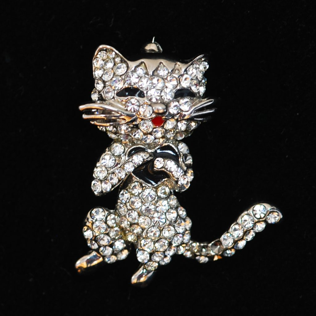 Eat Me Out Enamel Lapel Pin Take Out Fast Food Funny Brooches For Cloth Bag Jewelry Accessory To Invigorate Health Effectively Home & Garden