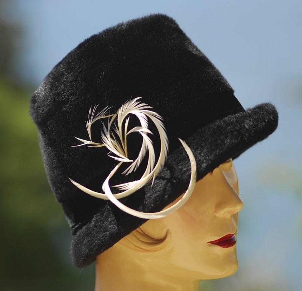 867c2f3b6c5 1960 s Gathering Strawberries Hat 1940 s White Feathers On Black Fur Mid- Century ...